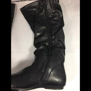 187b59c1694 Mountain Sole Women's Frida Slouch Boot Size 9.5 Boutique